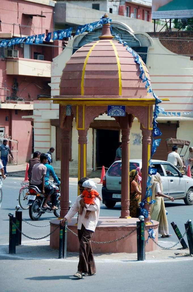 Traffic island in Agra, India by Ralph Velasco